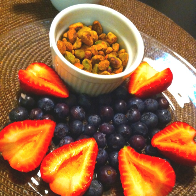 Pistachio nuts, Blueberries and Strawberries. Quite possibly one of my favorite breakfasts.