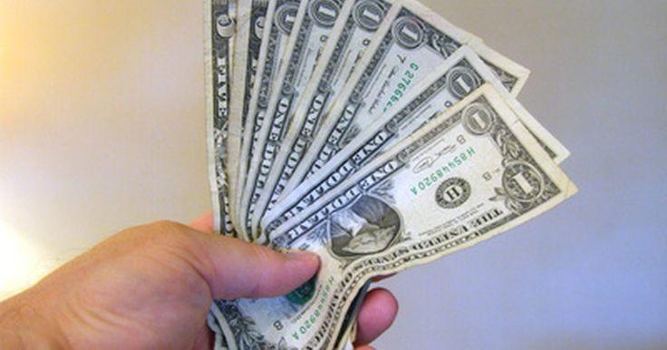 ¿Qué es una transferencia de dinero SWIFT?. Una transferencia de dinero SWIFT es un tipo de transferencia bancaria internacional, que sirve como medio electrónico para mover dinero de un país a otro.