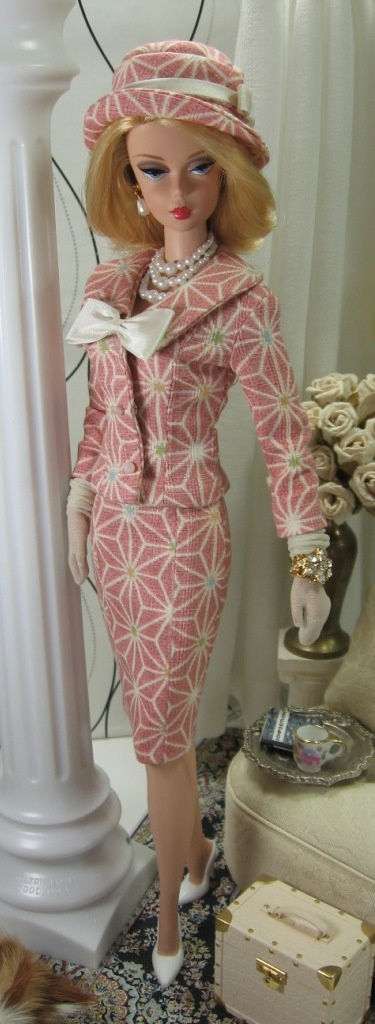 Silkstone-so this is how I would like to dress to go to work-it would make it that much more interesting!