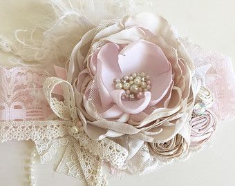 Baby Girl Headband Baby Headband-Dollcake por AvryCoutureCreations