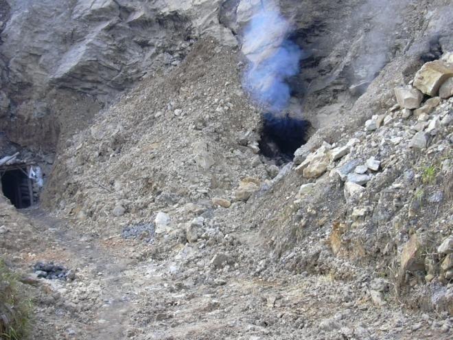 Covesia.com - Sebuah tambang batu bara yang terletak di barat laut wilayah otonomi Ningxia Hui Selasa (27/9/2016) pagi waktu setempat meledak. Ledakan yang...