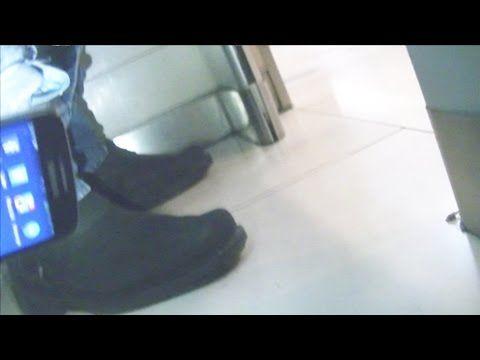 BROMA EN BAÑO PUBLICO / GONZALO GOETTE - YouTube