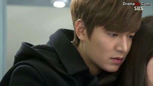 minho backhugs shin hye^^~