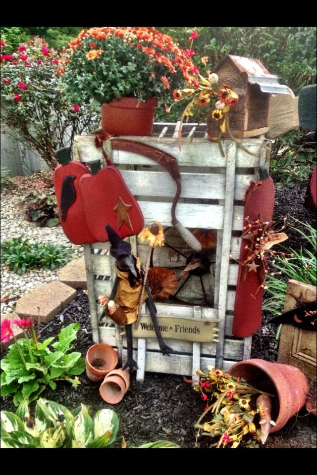 Fall Decorated Chicken Crate