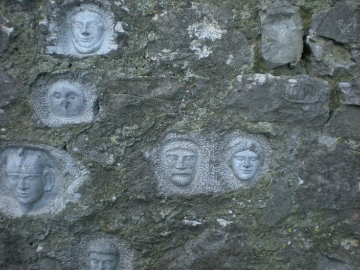 Carvings on the fortress wall Roccalbegna maremma #travel