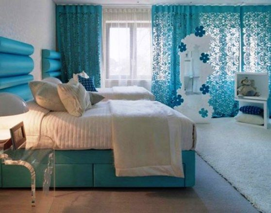 Geniş-Turkuaz-Yatak-Odası › Ev Dekorasyon Fikirleri