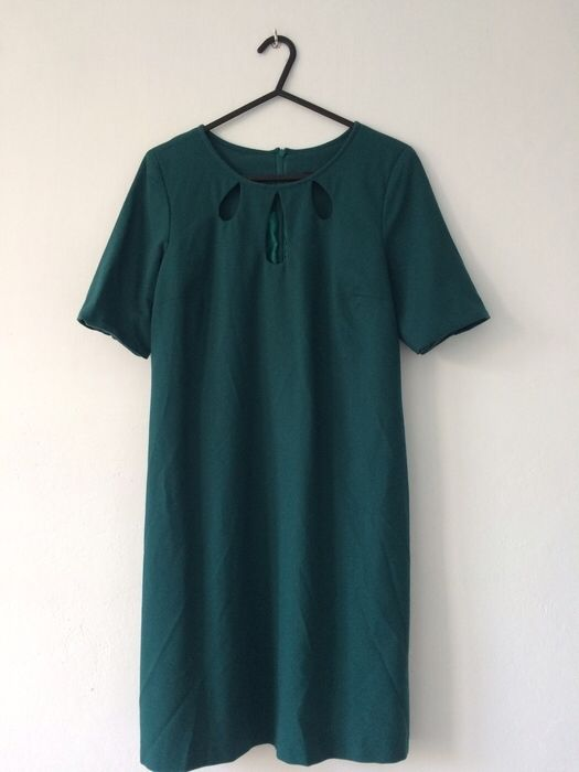 Sukienka butelkowa zieleń Mohito 36 Mohito z mojej szafy! Rozmiar 36 / 8 / S za 29.00 zł. Zobacz: http://www.vinted.pl/damska-odziez/dlugie-sukienki/16708723-sukienka-butelkowa-zielen-mohito-36.