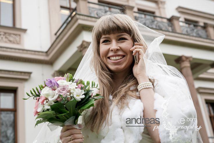 """Gleich mal anrufen: """"Es ist geschafft"""" .. www.hochzeitsfotografie-berlin.org #hochzeitsfotograf #weddingphotographer"""
