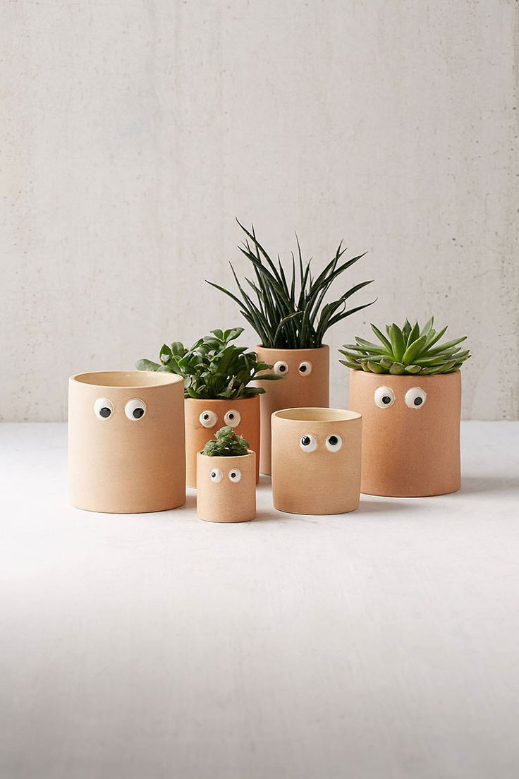 The big list of self watering planters for stylish gardening anywhere - My Ultimate Summer Garden Pot Round Up