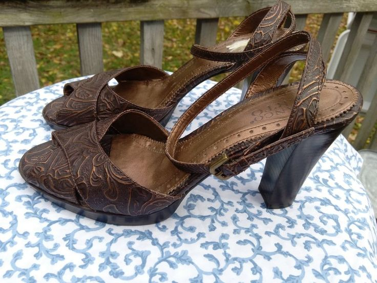 Reminds me of Italian Renassaince. Franco Sarto Leather Bronze Brocade Brown Strappy High Heels US 9.5 M Brazil  #FrancoSarto #Strappy