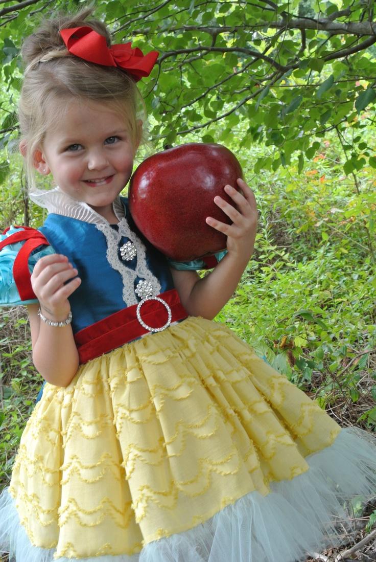 Snow white apron etsy - Child S Snow White Costume Etsy