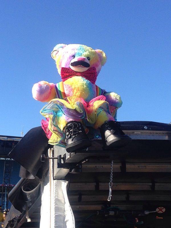 RBB looks so cool wearing rainbows.