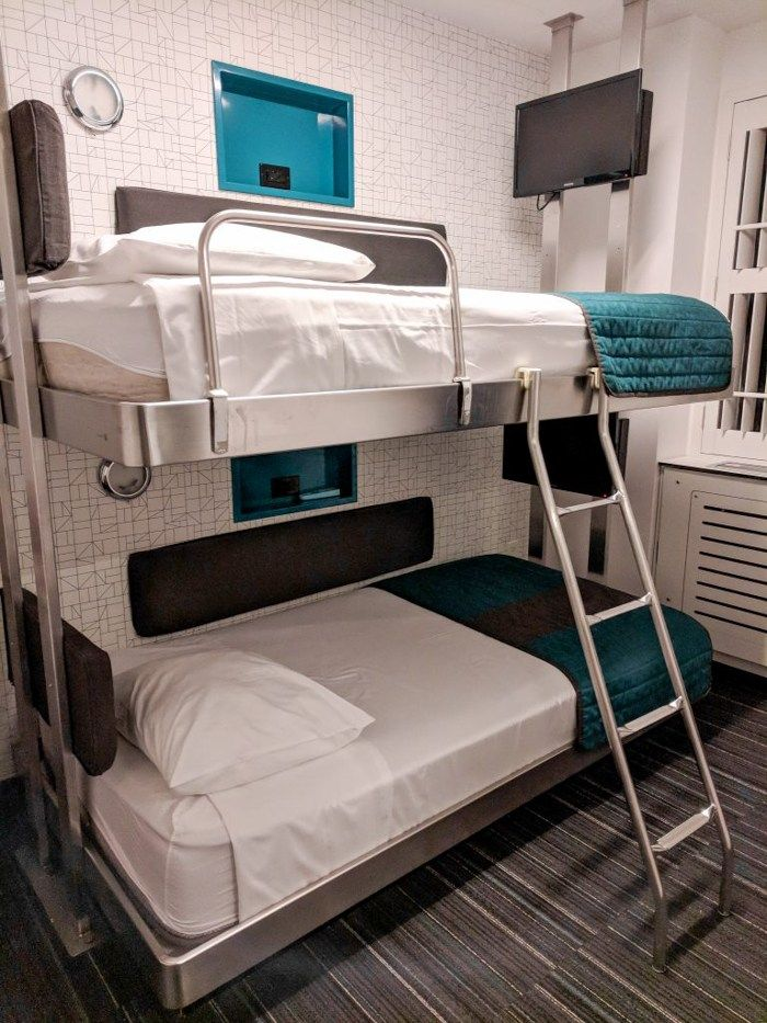 Tiny Room Big Value My New York City Pod Hotel Review Guide Pod Hotels Hotel Bunk Bed Rooms