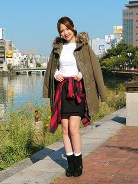 GapJapan│GAPのシャツ・ブラウスコーディネート 【キャナルシティ博多店スタッフ注目コーデ】 白ロンT×黒スカートとシンプルなモノトーンスタイルに赤のチェックシャツでメリハリをオン。ミリタリーコートはミニスカで女性らしく着こなして。 ミリタリーコート (Color:オリーブ/¥16,900/ID:534090/着用サイズ:XS)  フランネルプラッドシャツ (Color:レッド/¥6,900/ID:524037/着用サイズ:XXS) Tシャツ (Color:ホワイト/¥2,400/ID:415752/着用サイズ:S) スカート (Color:ブラック/¥5,900/ID:530620/着用サイズ:25) その他:参考商品 スタッフ身長:160cm ■キャナルシティ博多店 http://mobile.gap.co.jp/stores/sp/store.php?shopId=36393839 ■オンラインストアはこちら http://www.gap.co.jp/browse/subDivision.do?cid=5643
