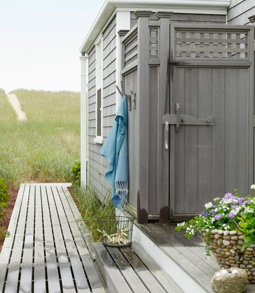 a life's design: Nantucket Cottage...Outside Shower, Decor Ideas, Beach House, Beach Cottages, Outdoor Living Room, Outdoor Showers, Country Living, Coastal Decor, Cottages Design