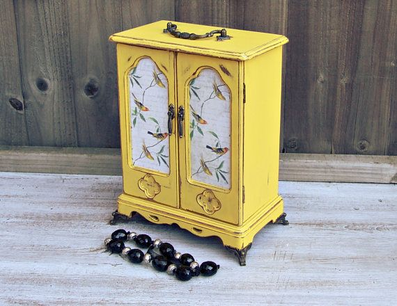 Hey, I found this really awesome Etsy listing at https://www.etsy.com/uk/listing/524272599/jewellery-armoire-vintage-jewellery
