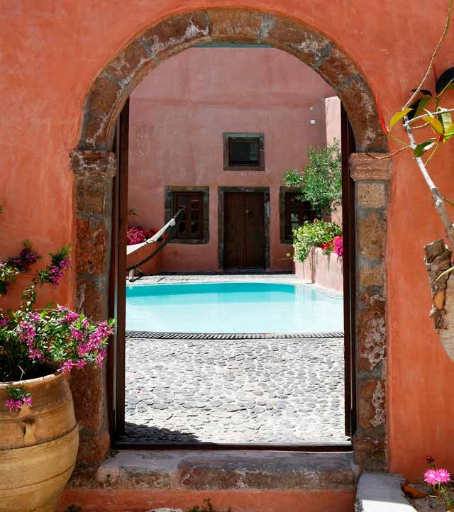 Villa Io promises to keep your privacy behind its gate!