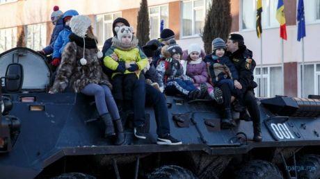 Un grup de copii au deslușit primele taine ale mascaților din Brigada Fulger (FOTO)