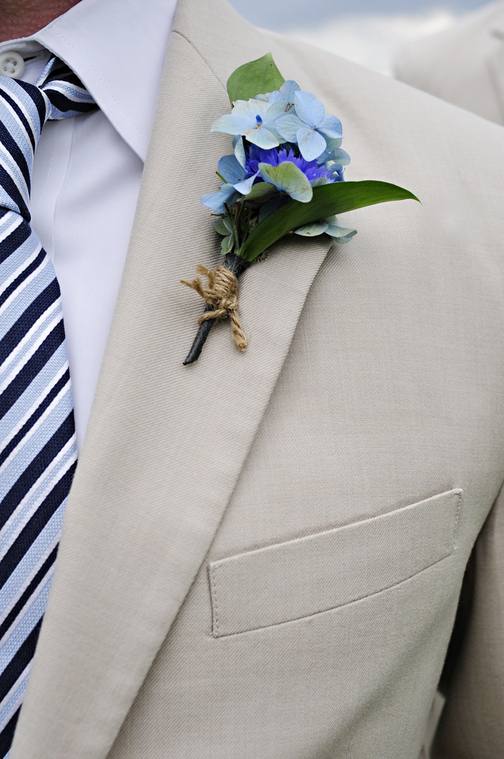 Hydrangea bout.  leslie lukas weddings & events, morgan lamare photography
