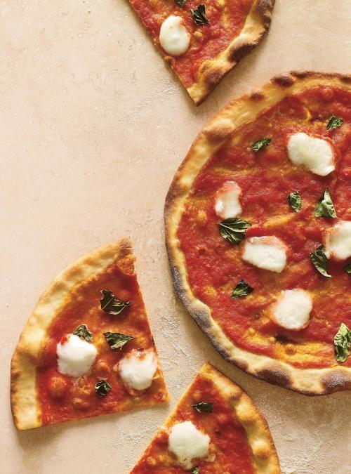 Pizza margherita à croûte mince | Ricardo