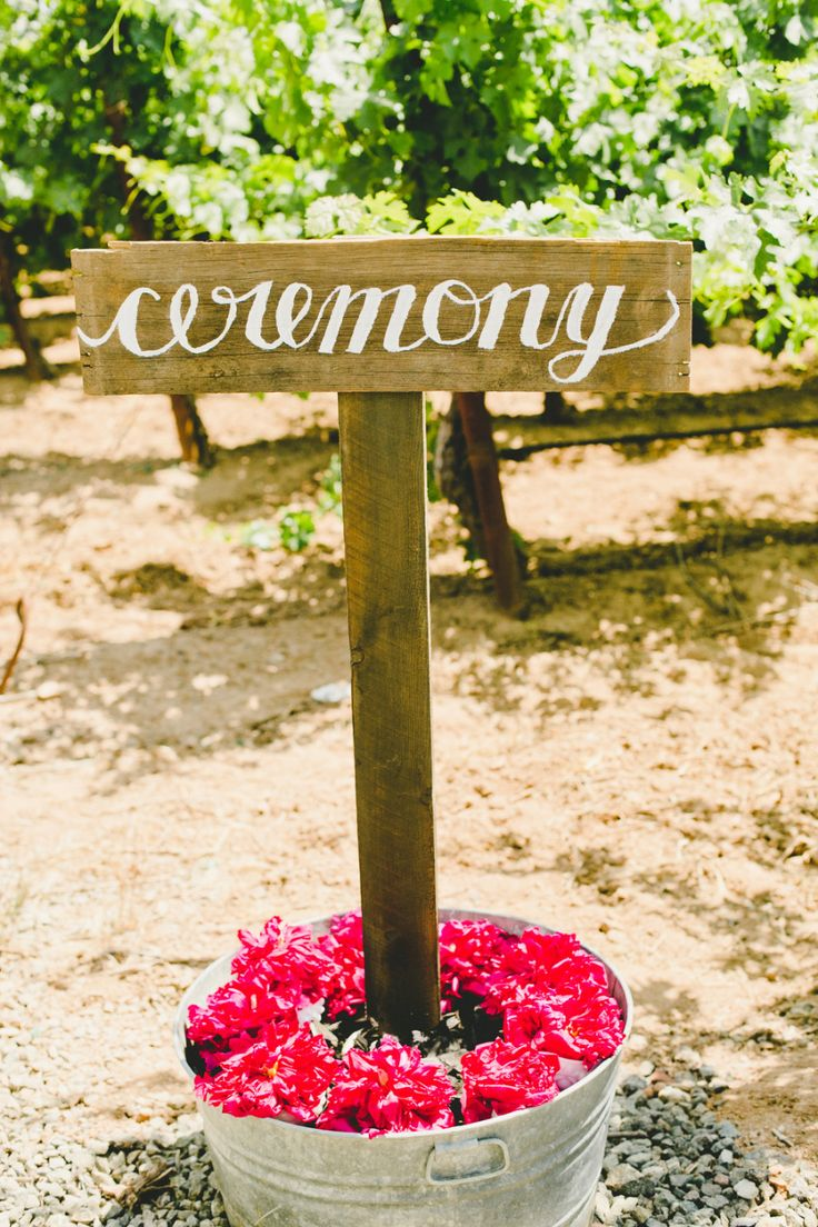 Photography: Onelove Photography   onelove-photo.com   View more: http://stylemepretty.com/vault/gallery/26136