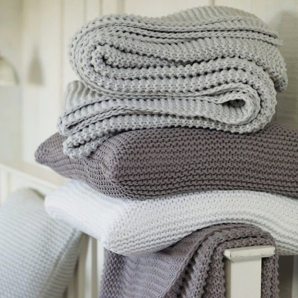 Grof gebreide kussen hoezen en plaids -grijs - grey shades -
