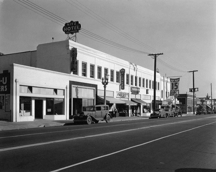 1939 Photo Of The 700 Block Avalon Boulevard Shows Several Businesses