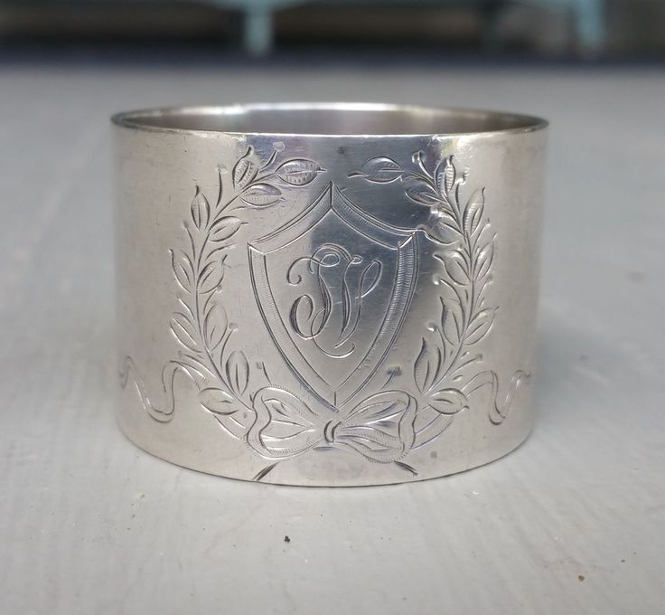 Exceptional Sterling Silver Napkin Ring by Lunt with Wreath and Shield 38 grams #Lunt