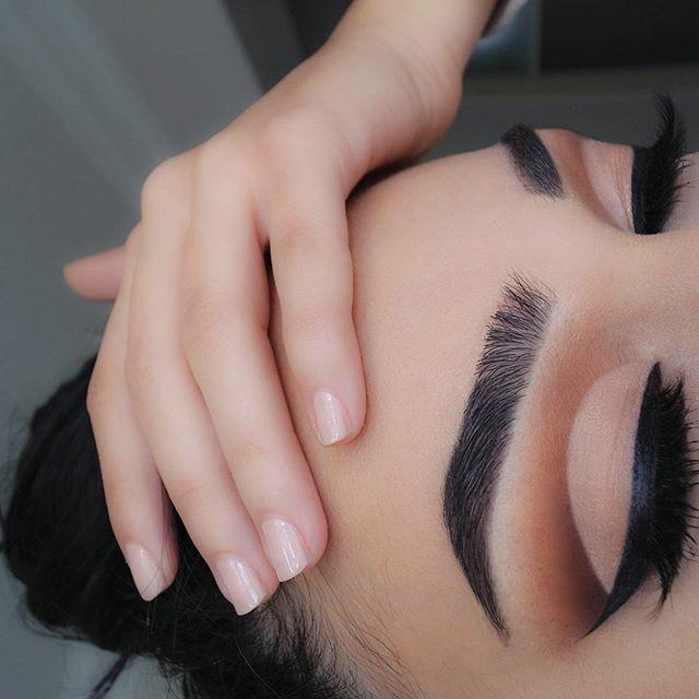 All matte  #eotd @vaniteuxlashes Haylee @hiimpactbrows charcoal brow powder #thebalm matt lopez, matt rosen, matt wood and fearless #nyc liquid eyeliner