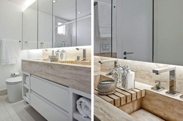 Banheiros com iluminacao embutida atras do espelho