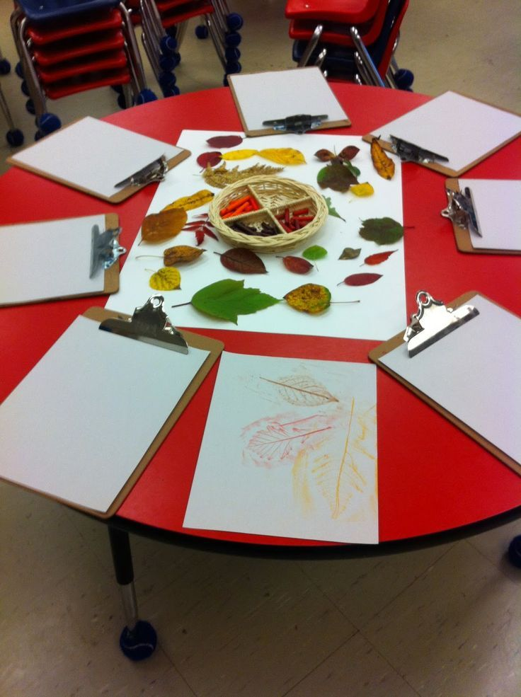 """Leaf art at 'Discovery Time' - from Adventures in Kindergarten ("""",)"""