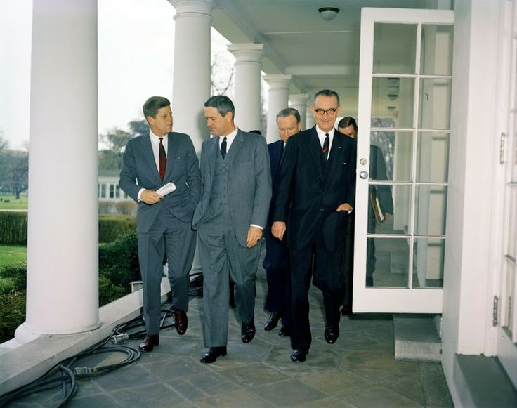 an analysis of john f kennedys inaugural address Unlike (say) president obama's recent 2nd inaugural, jfk's inaugural was aimed not only at the people of american but the people of the world it was, after all, delivered at the height of the cold war (the cuban missile crisis happened only 20 months later.