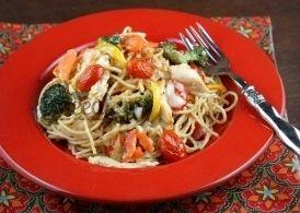 Спагетти с курицей и овощами в духовке