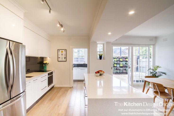 This kitchen is now fresh, bright, open and completely practical. Love the light-filled space! www.thekitchendesigncentre.com.au @thekitchen_designcentre