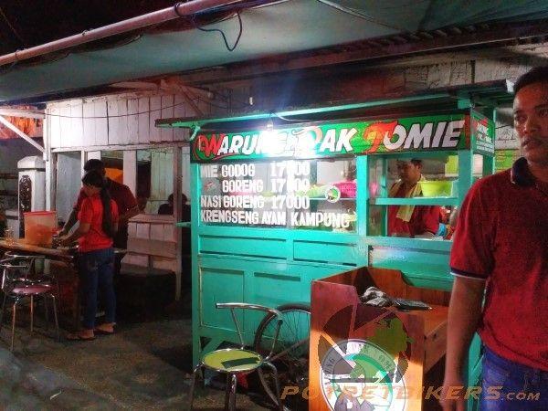 NasGor Warung Pak Tomie, yang konon katanya sudah Melegenda !!
