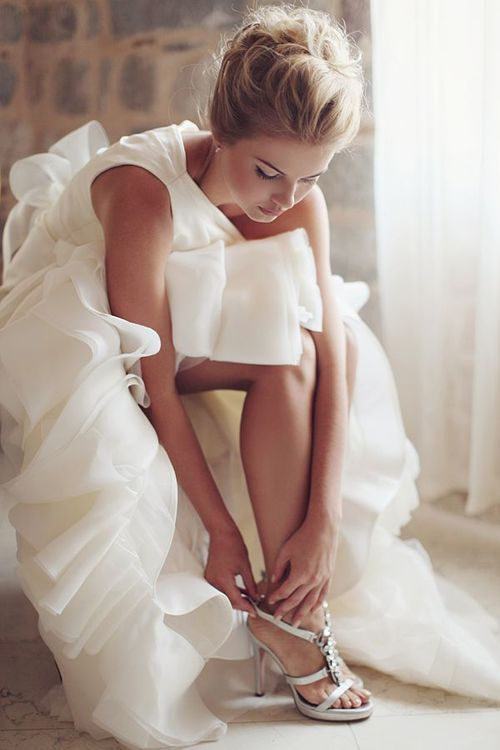 A Darling Wedding Dress Hair Attire Colour. Classy And Glamorous