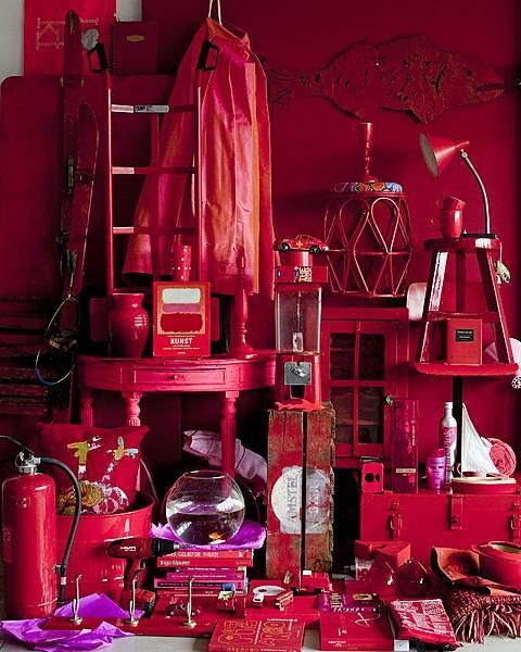 I really LOVE these color compositions by VT Wonen - RED