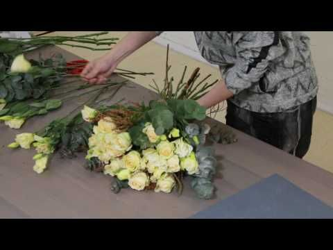 How to arrange a Delightful Yellow Roses Bouquet - YouTube