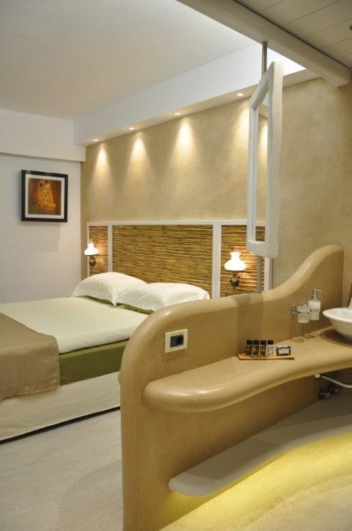 Superior double room in Vrahos Boutique Hotel - #Folegandros