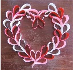 Cute, fun, inexpensive Valentine wreath