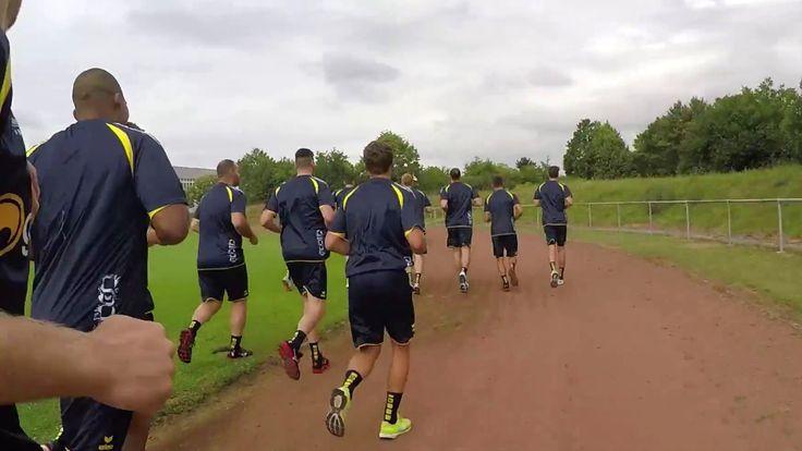 Der erste Tag der Vorbereitung: Wir haben die Mannschaft beim Fotoshooting, Interviews und Lauftest begleitet.