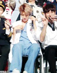 Những chiếc gif của Baekhyun khiến L muốn rụng tim - EXONEWSVN