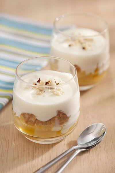 Sobremesa light: peras cozidas em especiarias com iogurte grego
