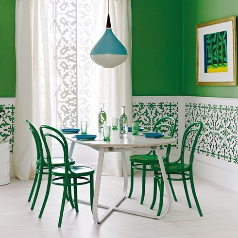 homeanddecor.net  I like the wall designDining Rooms, Dining Area, Emeralds Green, Green Wall, Colors, Green Kitchens, Kelly Green, Dining Room Design, Green Room