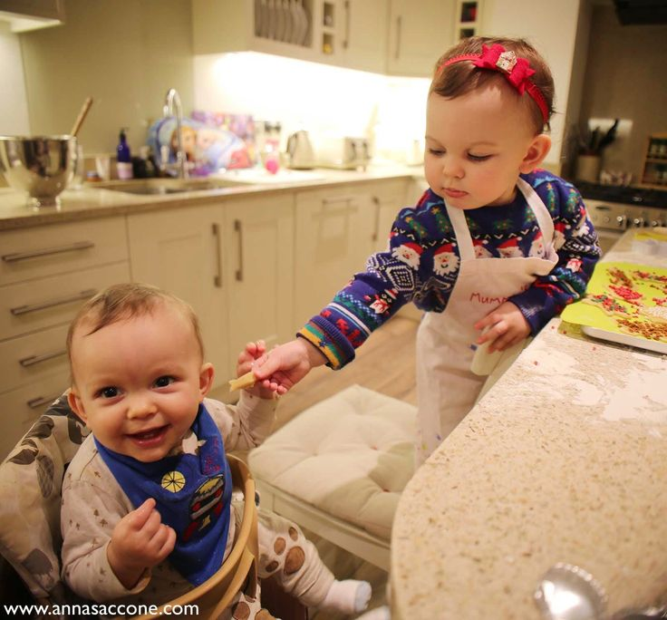 Emilia and Eduardo // Sacconejolys they r so adorable