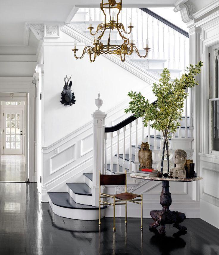White walls interior design