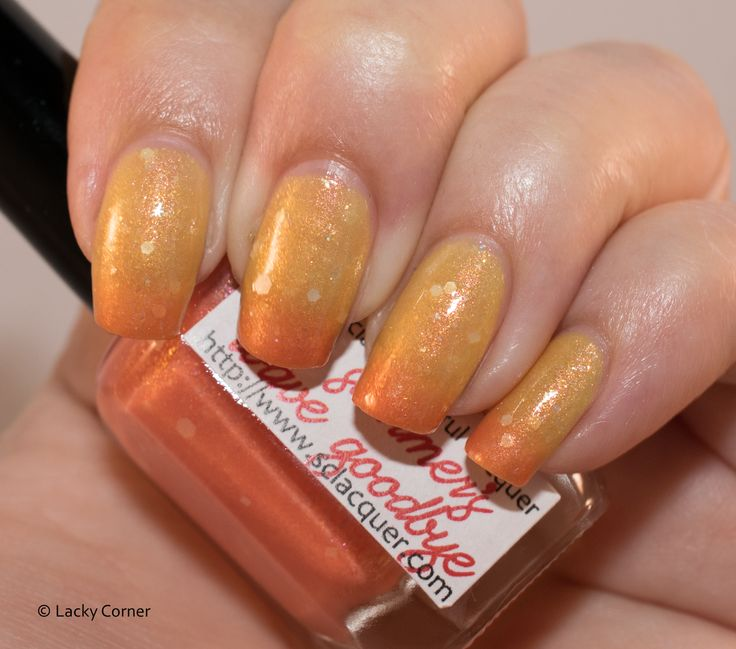 Lacky Corner: Superficially Colorful Lacquer - A Summer's Wave Goodbye