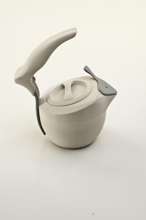 nice kettleCalphalon Water, Musthaves Stuff, Design Water, Kettle, Graphics Design, Joshua Edward, Ergonomic Design, Edward Myslik, Must Hav Stuff