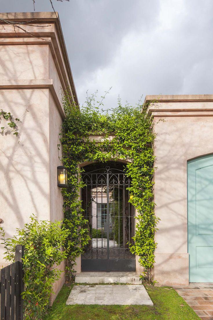 Molduras pen Hermosa casa colonial