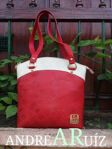 Leather Bag Gachuza by Andrea Ruíz
